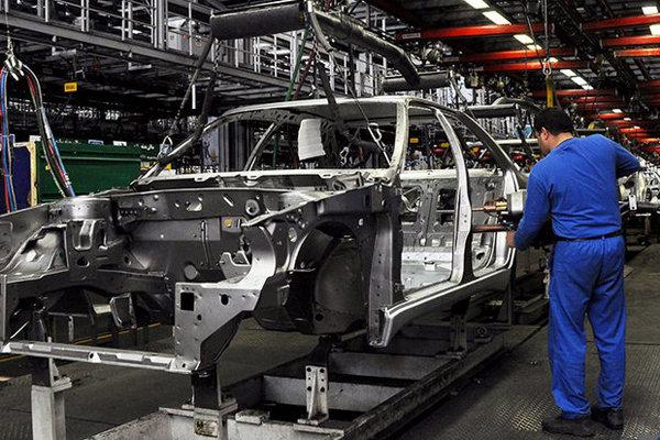 خودروسازها خودرویی که میتوان تولید کرد را پیشفروش کنند