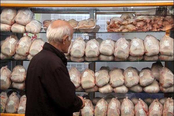 احتکار ۴.۵ تن مرغ منجمد تنظیم بازاری در یک مغازه